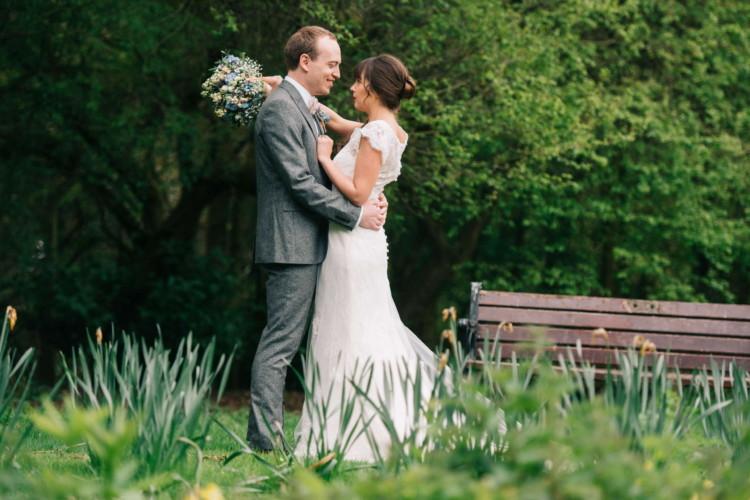 230416 Essex Wedding Photography Baddow Gallerywood 084
