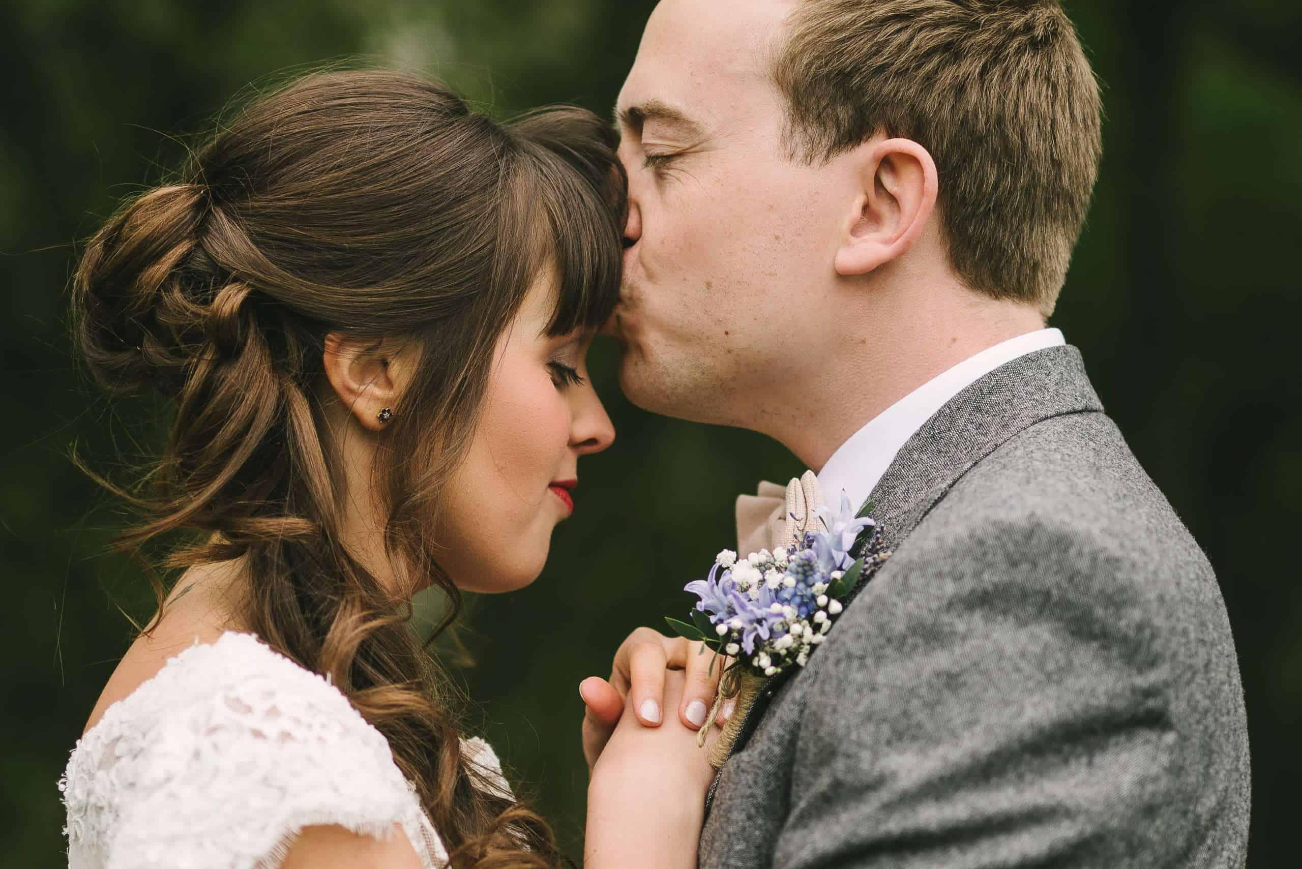 230416 Essex Wedding Photography Baddow Gallerywood 089