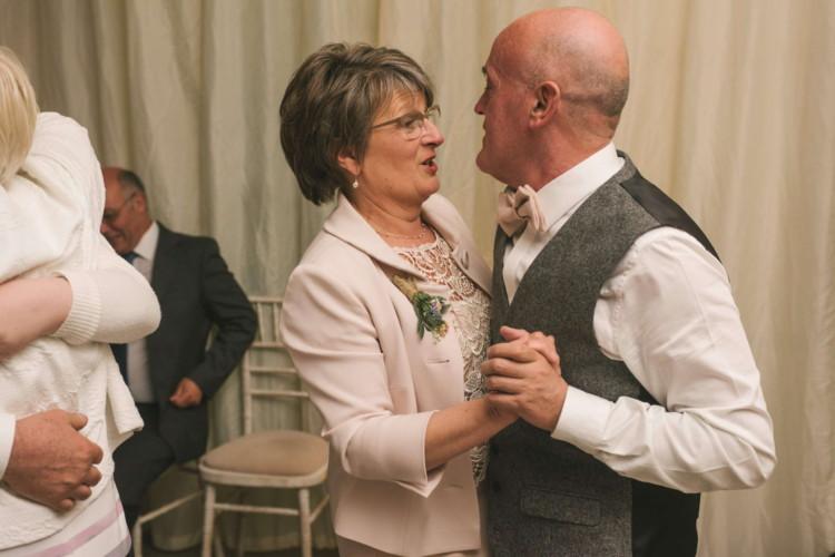 230416 Essex Wedding Photography Baddow Gallerywood 138