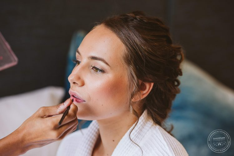 The bride's makeup