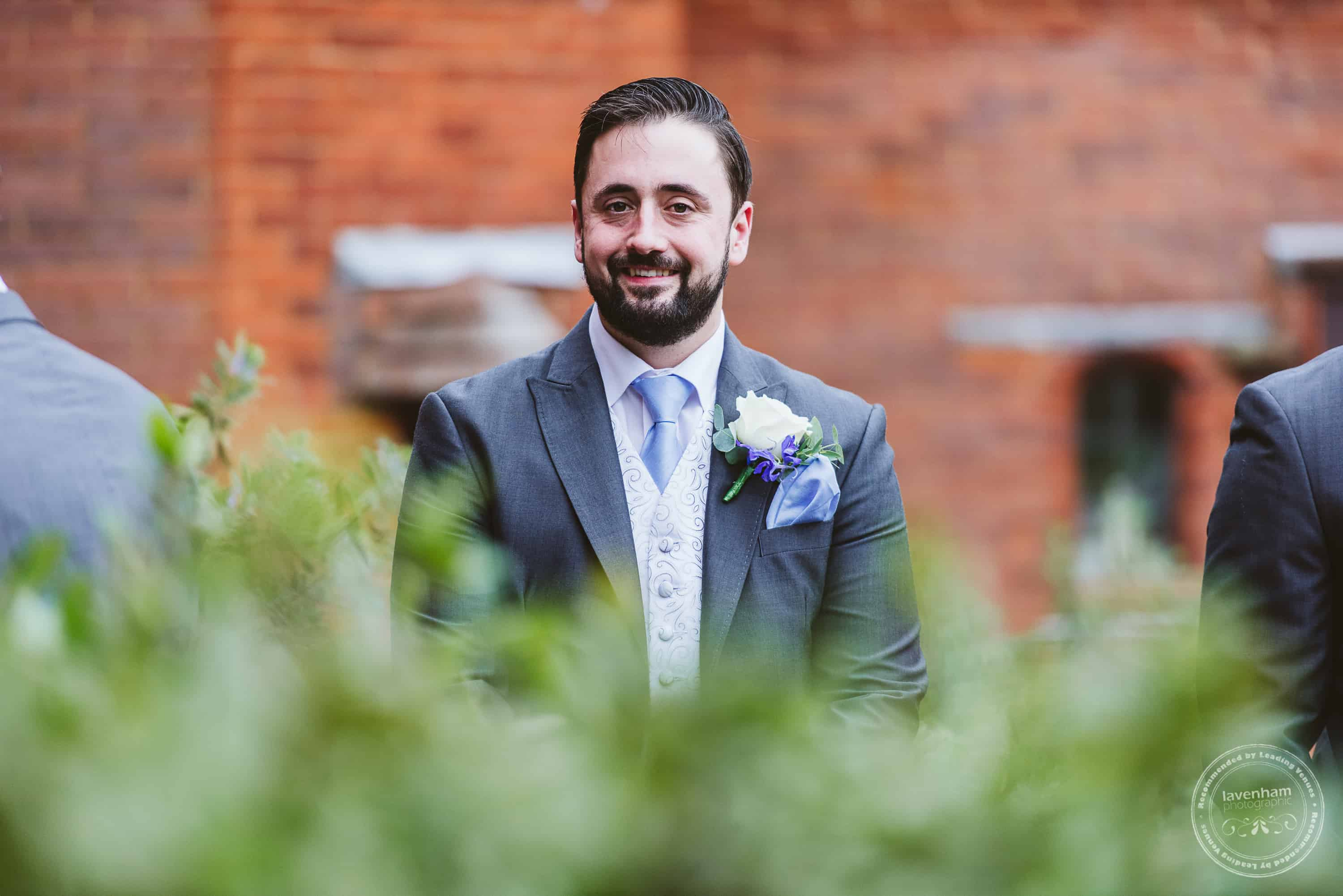 261019 Bull and Willow Room Essex Wedding Photographer 008