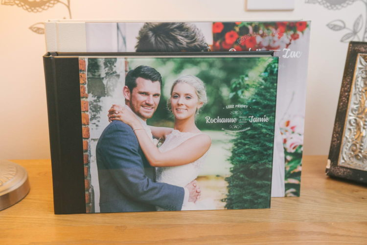 Comparison between standard A4 wedding album and upgraded 35x25cm size album